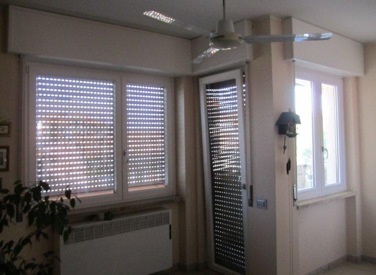 Serramento pvc Busto Arsizio vicino Gallarate - finestre con ribalta di serie e cassonetti coordinati, tapparelle e accessori.