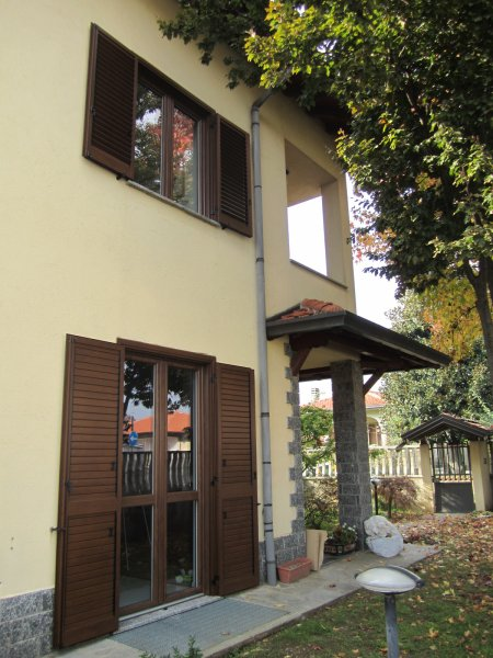 Serramento PVC Arconate vicino a Legnano - serramenti a cinque camere completi di vetri isolanti a basso emissivo con canalina CBC